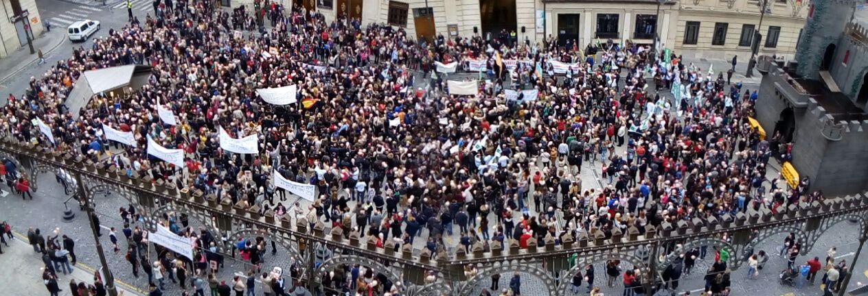 Gran éxito de la convocatoria pro-concertada en Alcoy
