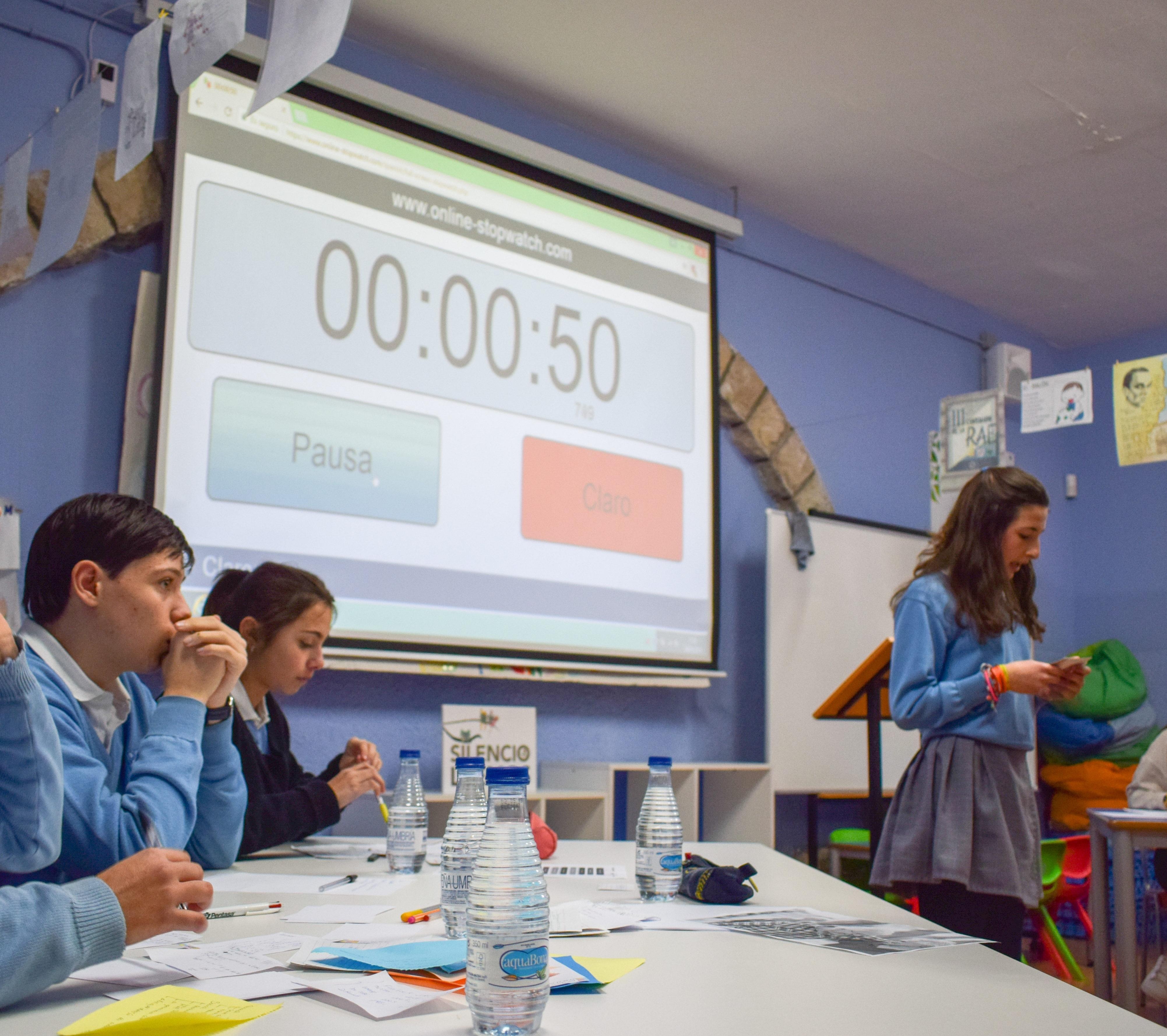 VI Liga de debate escolar: el Colegio gana las dos primeras rondas