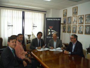 Firmado convenio de colaboración con el Club de Regatas de Alicante